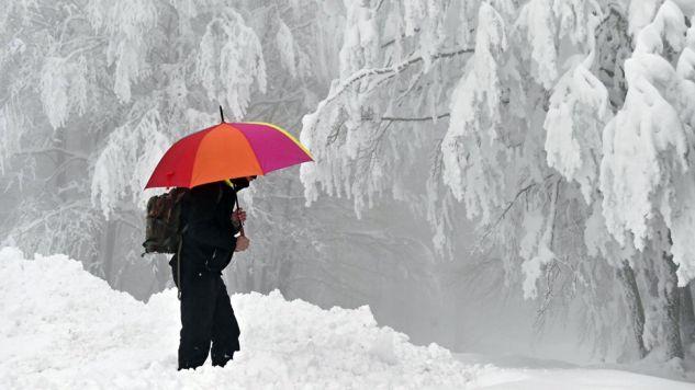 W całych Włoszech ogłoszono alarm w związku z falą śnieżyc, mrozów i burz (PAP/EPA/MAURIZIO DEGL'INNOCENTI)