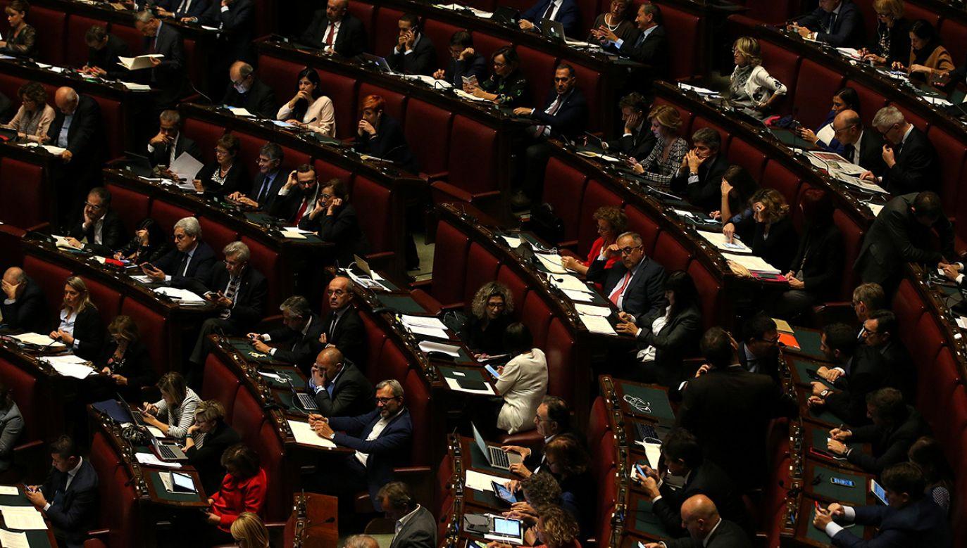 Włoskiej ustawie nadano angielską nazwę Whistleblowing (fot. REUTERS/Tony Gentile)
