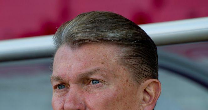 Oleg Błochin nie może być zadowolony z formy swoich piłkarzy (fot. PAP/EPA)