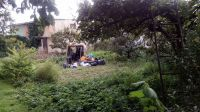 Kosz spadł do ogródka (itvszubin.pl)