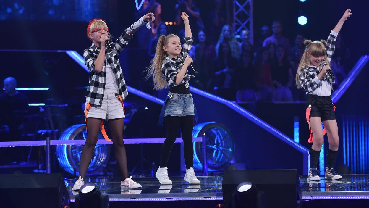 """Nela, Natasza i Zuzia w piosence """"Girlfriend"""" pokazały jakie pokłady energii mogą drzemać w tak małych osobach (Fot. I. Sobieszczuk/TVP)"""