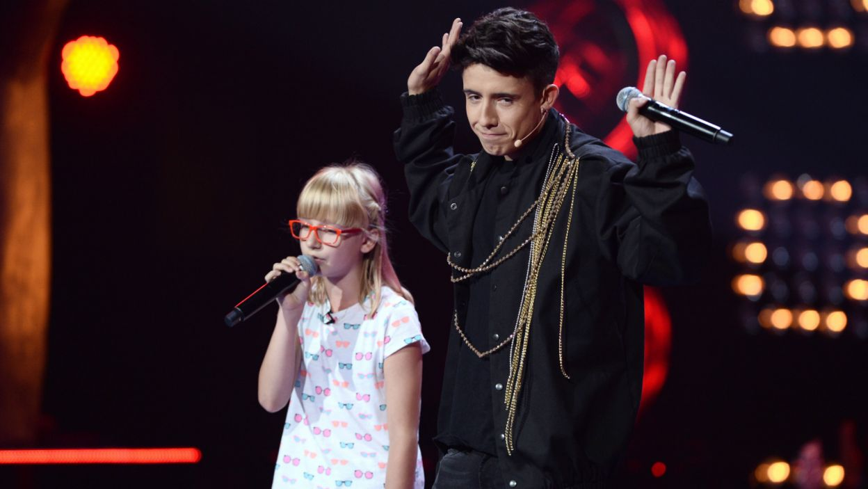 Podczas występu Zuzi Janik dołączył do niej z mikrofonem Dawid i wspólnie zaśpiewali piosenkę Christiny Aguilery (fot. TVP)