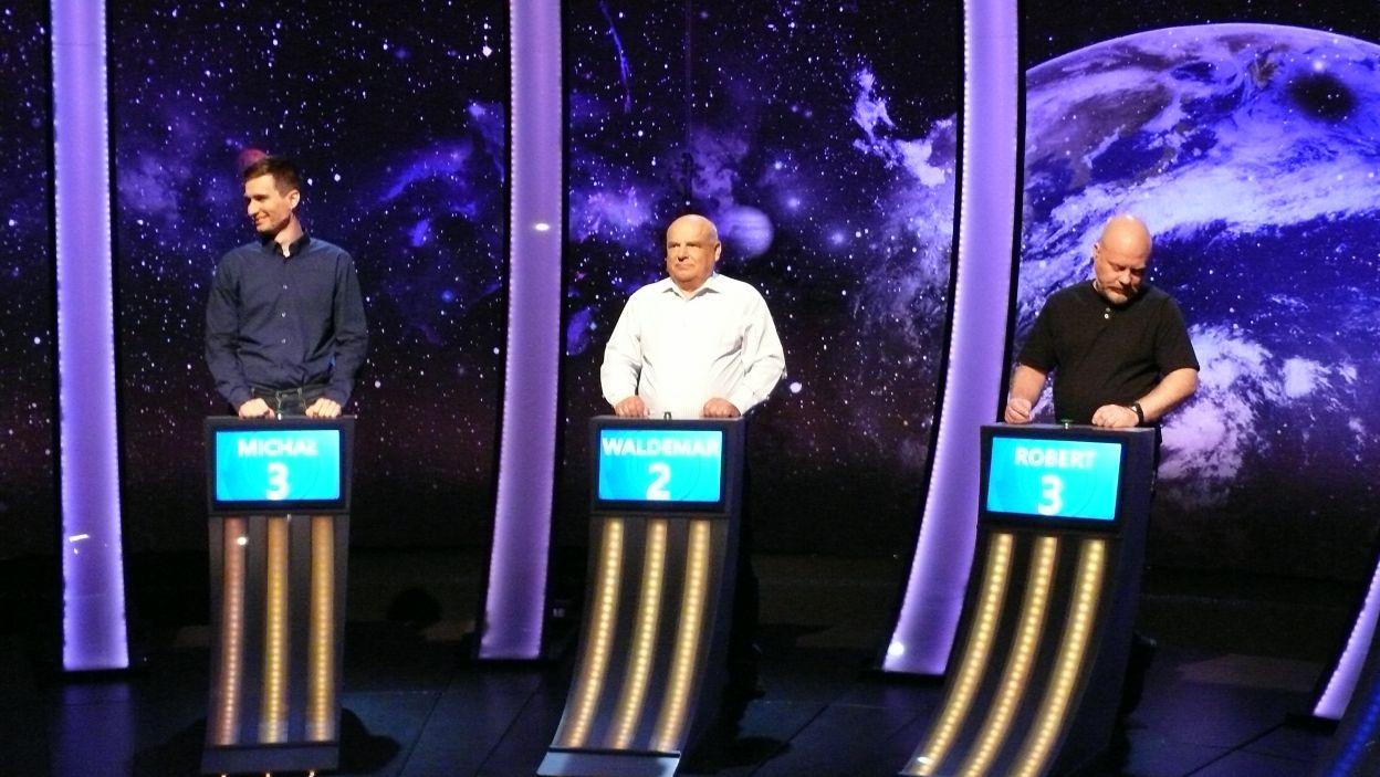 Prosto z drugiego etapu 15 odcinka 107 edycji do finału odcinka przeszedł męski skład zawodników