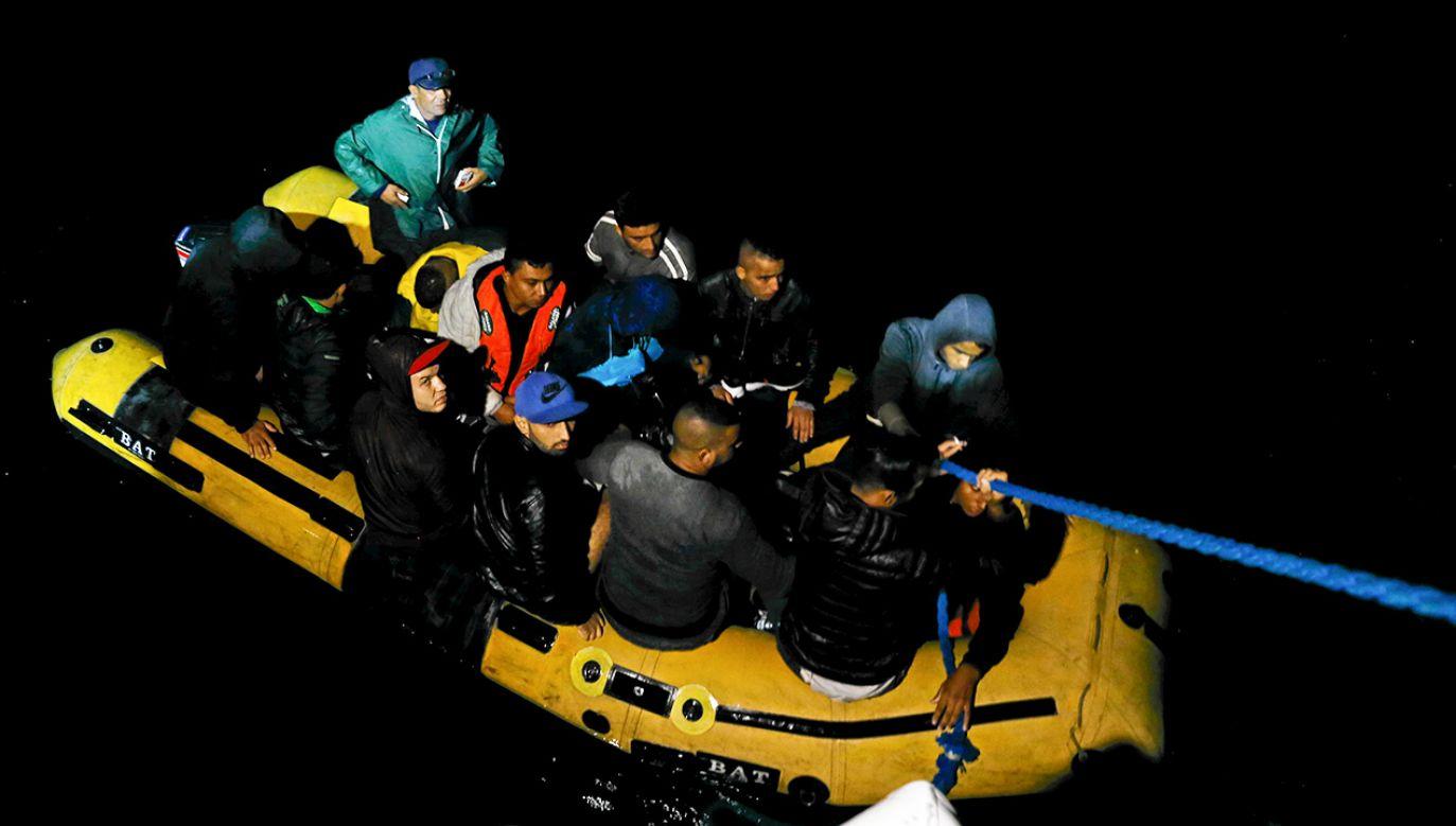 Osoby ubiegające się o azyl mają być rozmieszczani we wszystkich krajach UE (REUTERS/Zoubeir Souissi)