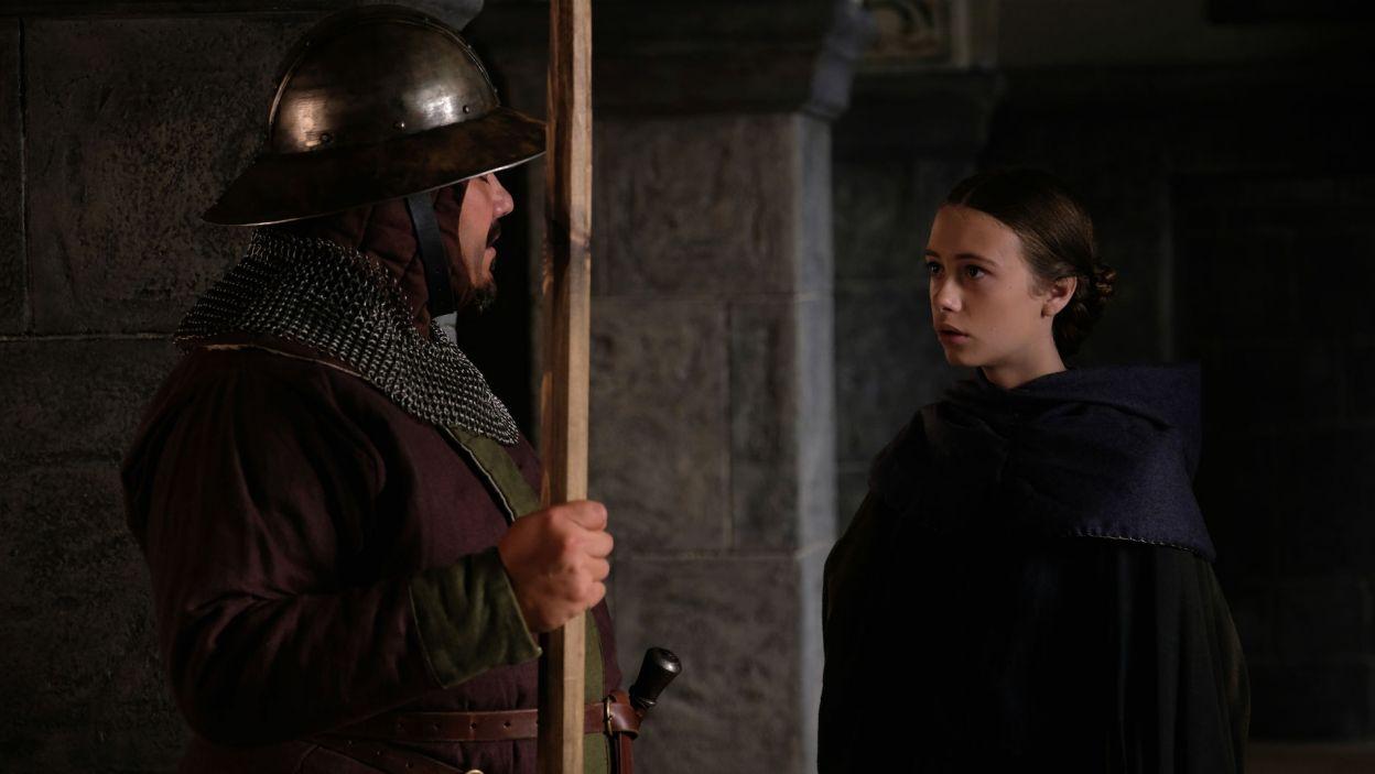 Audre dowiaduje się, że Ligęza zostawił Egle. Dziewczyna postanawia zabić szlachcica... (fot. TVP)