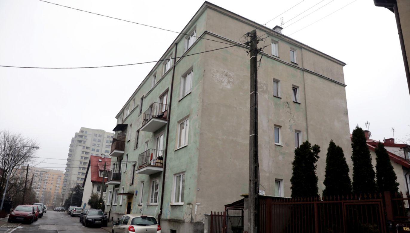 Nieruchomość przy ulicy Lutosławskiego 9 w Warszawie. Reprywatyzacją budynku zajęła się komisja weryfikacyjna (fot. PAP/Tomasz Gzell)