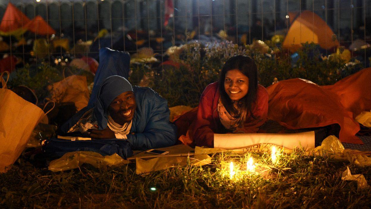 Pielgrzymi z całego świata spędzili noc na Campus Misericordiae (fot. PAP)