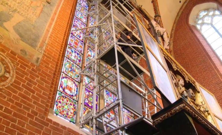Bezcenny witraż w katedrze św. Janów po remonci