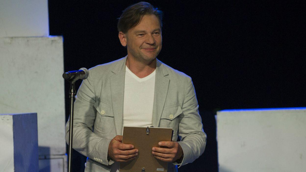 …natomiast Ireneusz Czop w tym samym serialu gra podkomisarza Ryszarda Puchałę (fot. N. Młudzik/TVP)