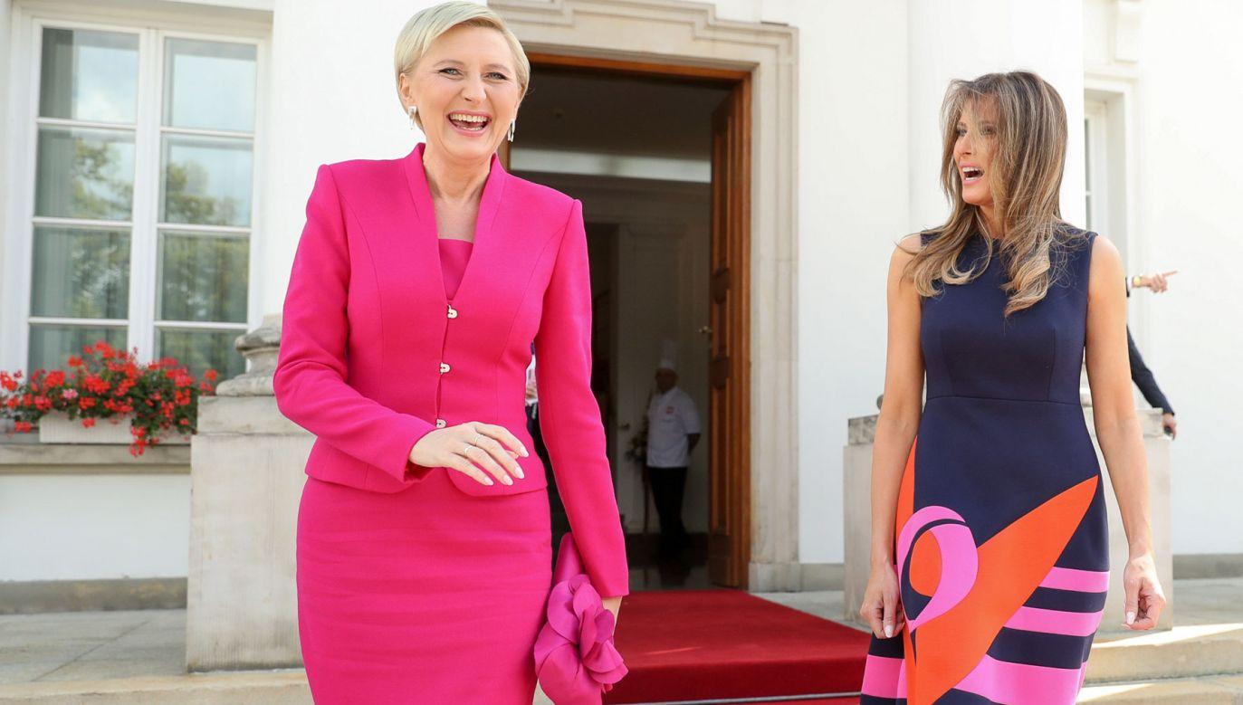 Agata Kornhauser-Duda miała na sobie kostium 6 lipca ub. roku, podczas wizyty pary prezydenckiej USA (fot. Grzegorz Jakubowski KPRP)