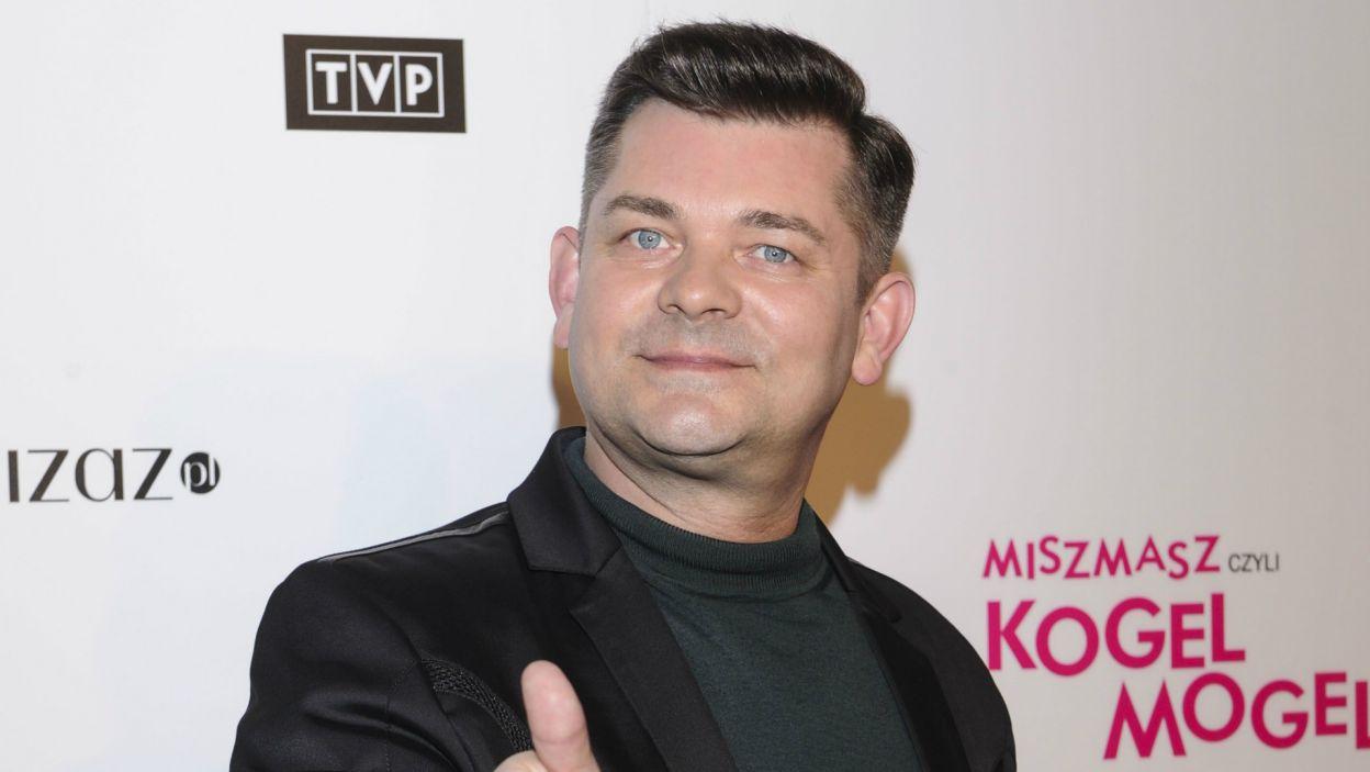 Zenon Martyniuk w filmie wcielił się w... gwiazdę disco polo (fot. N. Młudzik/TVP)