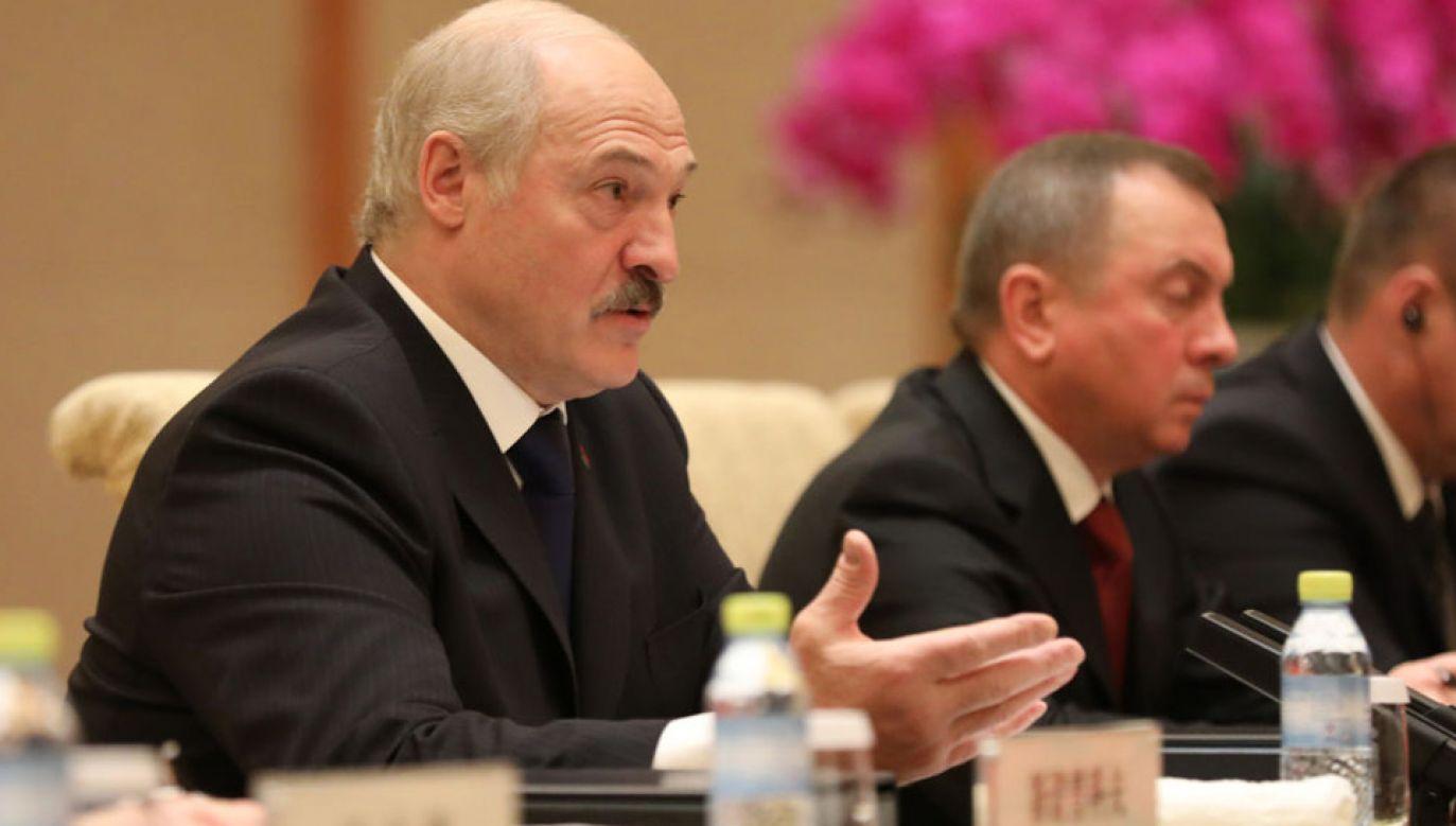 Prezydent Aleksandr Łukaszenka obiecał doposażyć pograniczników (fot. Wu Hong-Pool/Getty Images)