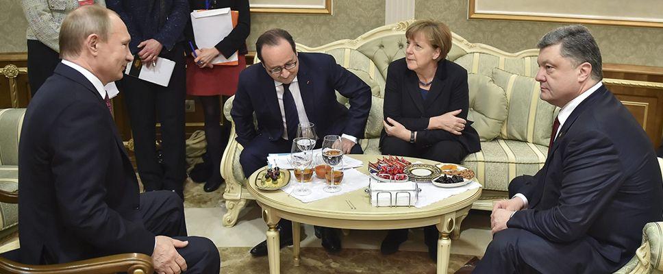 Przywódcy Niemiec, Francji, Ukrainy i Rosji rozmawiają o sposobach zakończenia walk w Donbasie (fot.PAP/EPA/MYKOLA LAZARENKO)