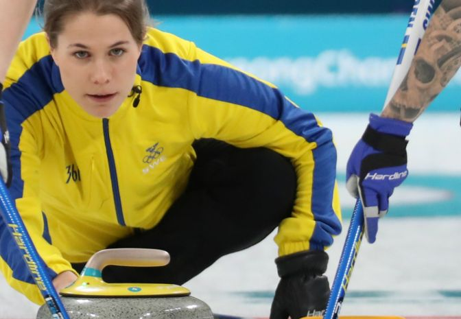 Curling: Szwedki nadal niepokonane