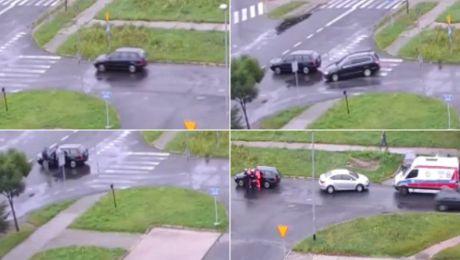 Auto stoczyło się na skrzyżowanie (fot. TVP Info)