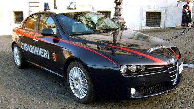 Karabinierzy wraz z policją zatrzymali 54-latka na gorącym uczynku (fot. Wiki/Rundvald)
