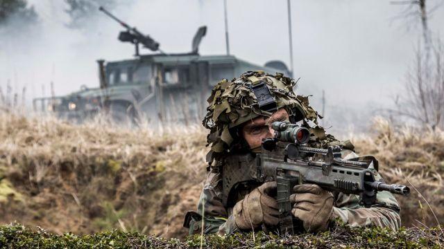 Siły NATO na Wschodzie zostaną wzmocnione. Jest zgoda ministrów