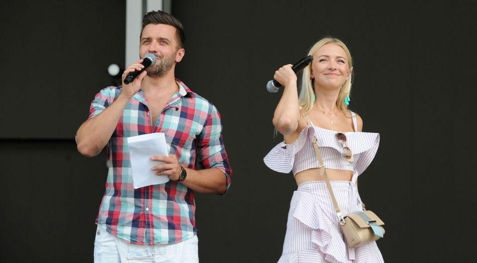 Debiuty poprowadzą, ale i zaśpiewają Barbara Kurdej-Szatan i Rafał Szatan (fot. TVP)