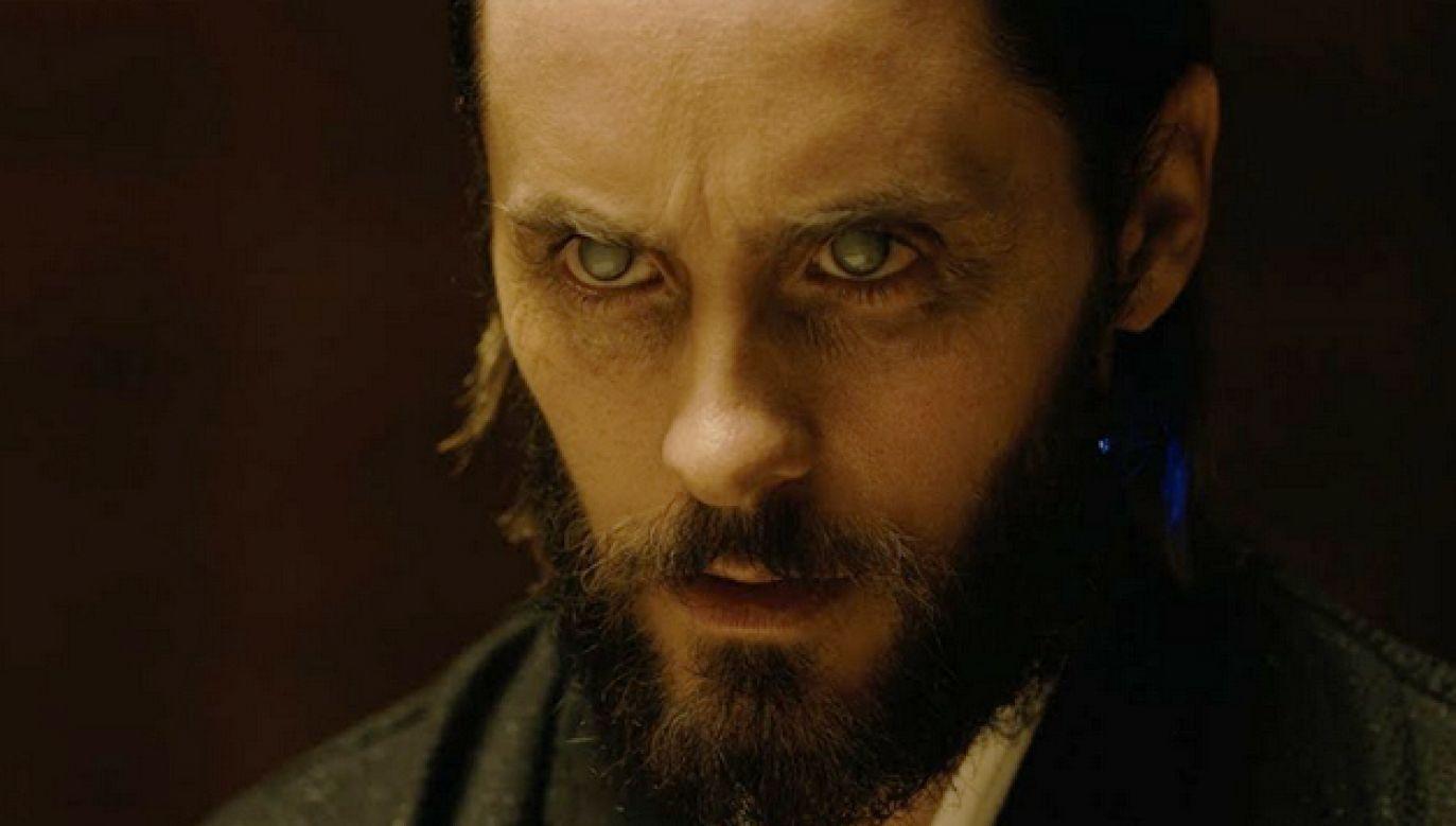 """Laureat Oscara Jared Leto dał się """"oślepić"""" do roli, wcześniej zaś chorobliwie chudł (fot. materiały prasowe)"""
