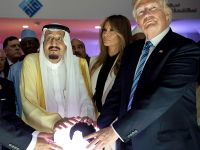 Świecąca kula i Trump