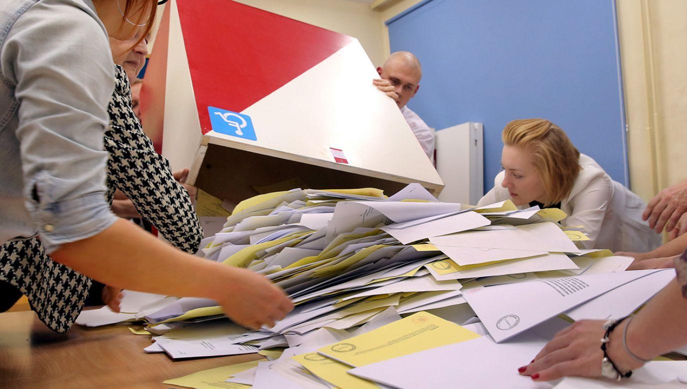 31 stycznia w życie weszła nowela Kodeksu wyborczego (fot. arch. PAP/Tomasz Waszczuk)