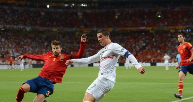 Gerard Pique i Cristiano Ronaldo (fot. Getty Images)