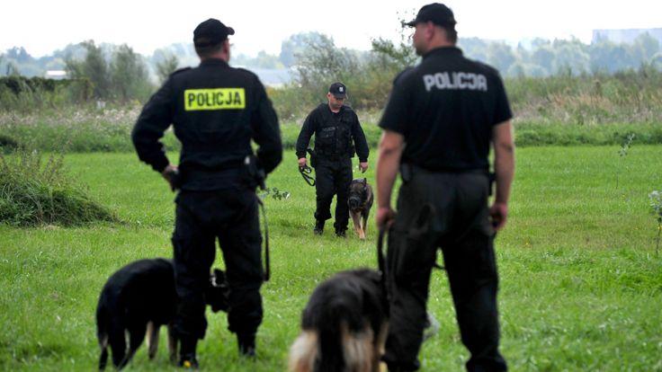 Zatrzymani usłyszeli zarzuty zabójstwa oraz pomocnictwa i mataczenia w sprawie (fot. arch/PAP/Marcin Bielecki)