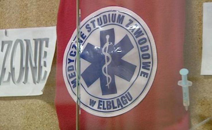 Absolwenci szkoły negatywnie oceniają likwidację ratownictwa medycznego w szkołach policealnych.