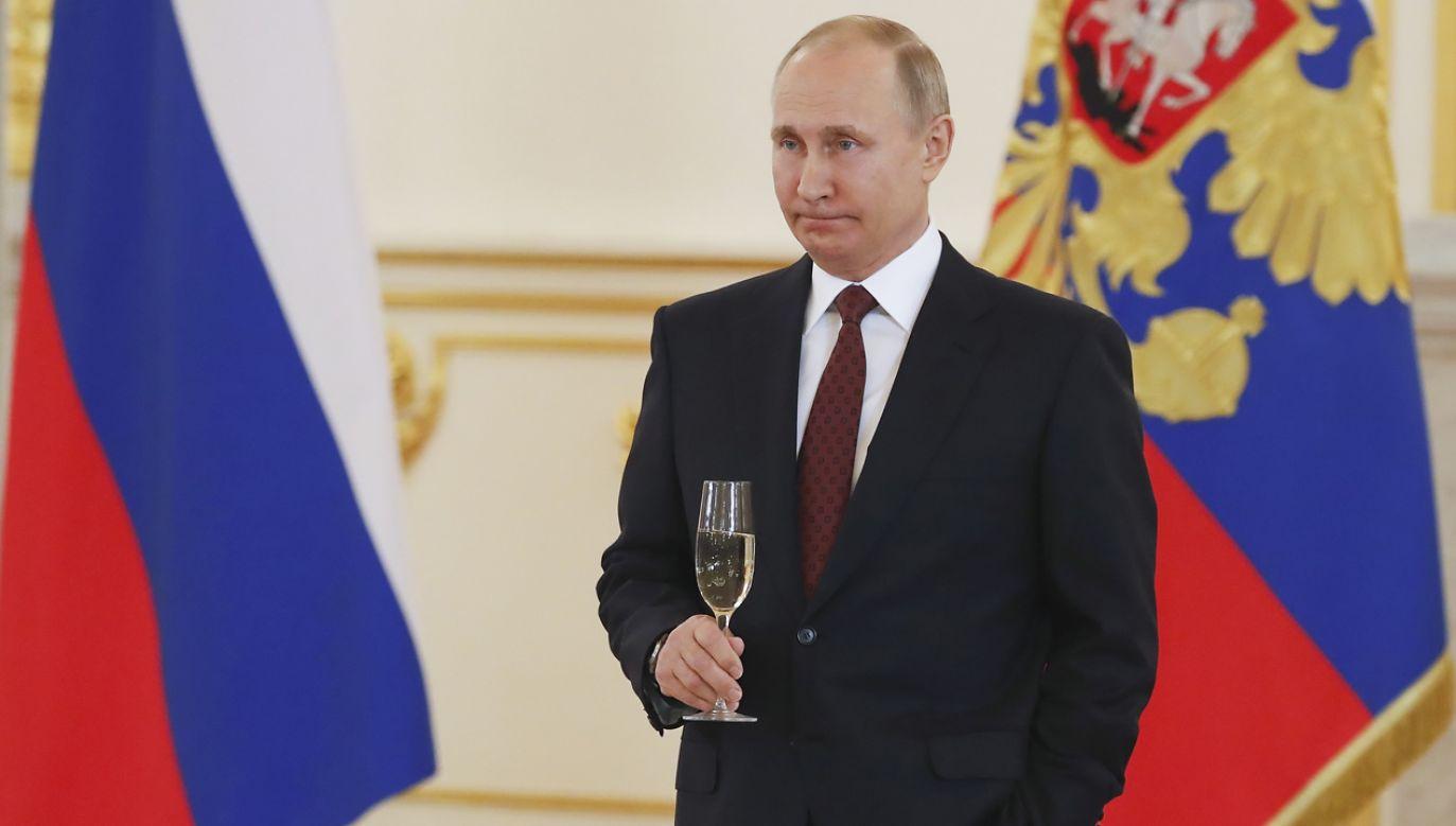 W ostatnich latach Rosja zaczęła rozwijać nowe strategiczne powiązania z Kubą (fot. Sergei Ilnitsky/Pool via REUTERS)