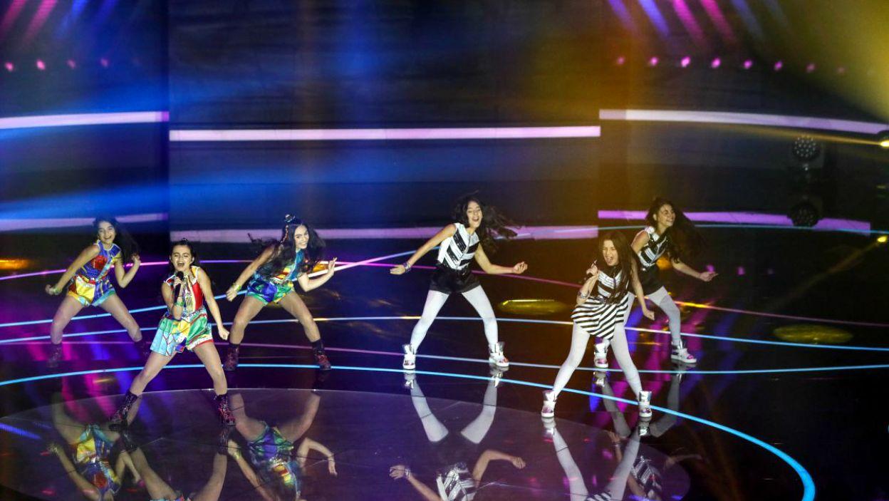 Anahit i Mary razem ze swoimi tancerkami reprezentowały Armenię (fot. Andres Putting/EBU)