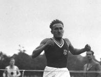 Janusz Kusociński zdobył złoty medal w biegu na 10000 m na igrzyskach w Los Angeles 1932