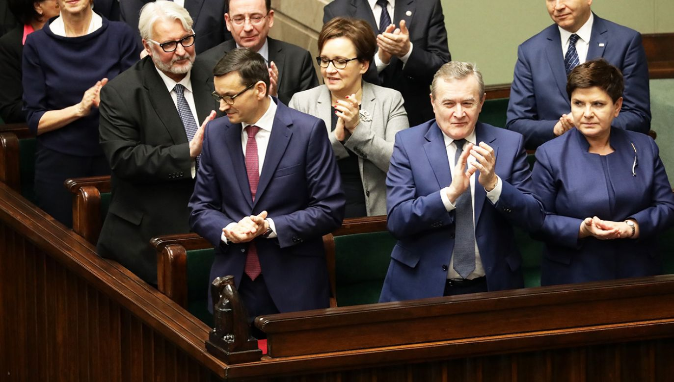 Zgodnie z zapowiedziami dojdzie do przeglądu ministerstw (fot. PAP/Tomasz Gzell)