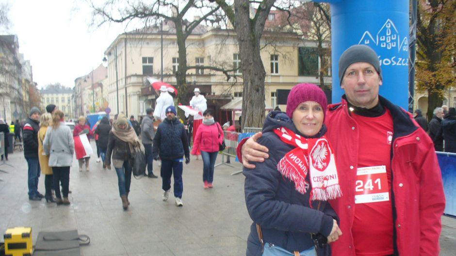 Ireneusz Taraszka z żoną Ewą tuż przed Biegiem Niepodległości w Bydgoszczy (nad. Ireneusz Taraszka)