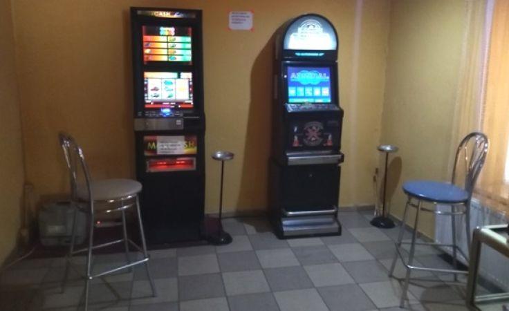 Punkt hazardowy w jednym z prywatnych mieszkań w Jezioranach (fot. IAS)