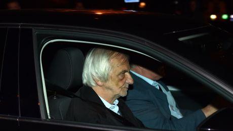 Szef klubu parlamentarnego PiS i wicemarszałek Sejmu Ryszard Terlecki wjeżdża na Wawel