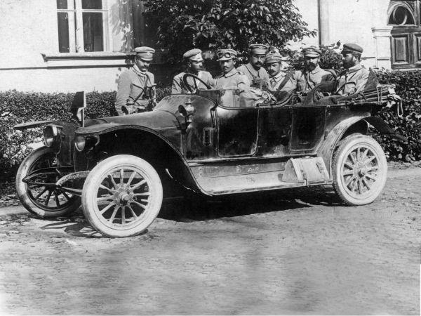 Po latach niewoli wstaje Polska 1914 - 1918 – film dokumentalny