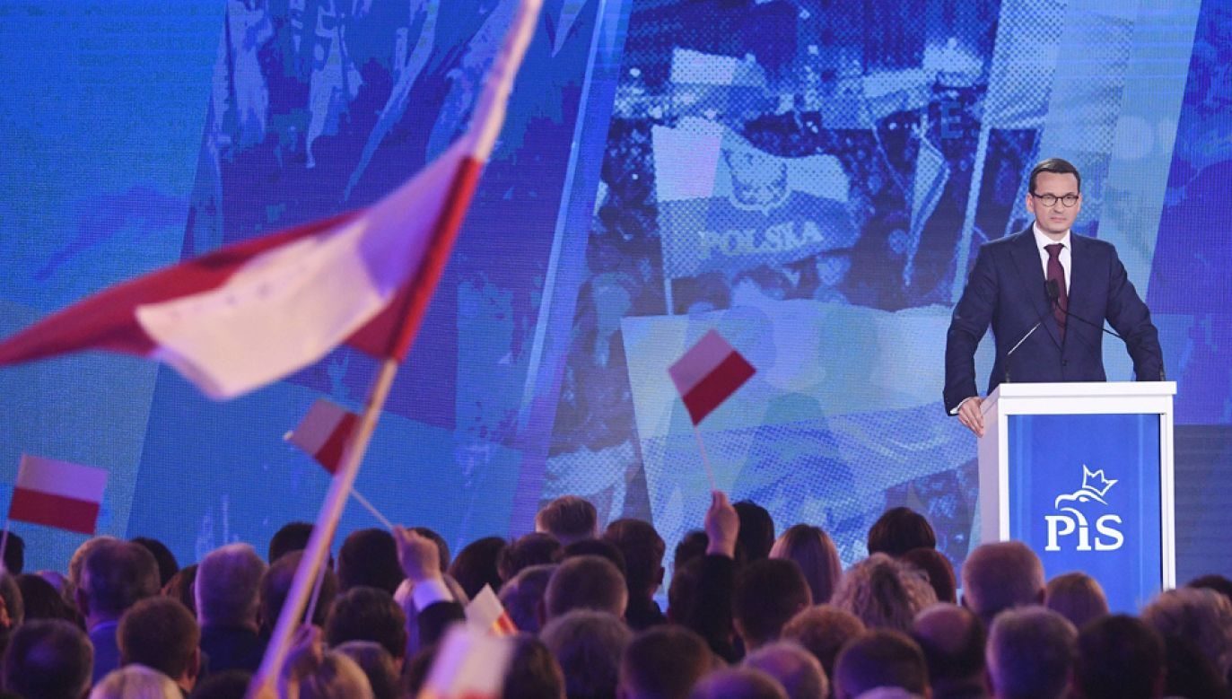 """Propozycje, przedstawione na konwencji PiS, nazwane """"piątką Morawieckiego"""" stały się tematem rozmów na cały tydzień (fot. Radek Pietruszka)"""