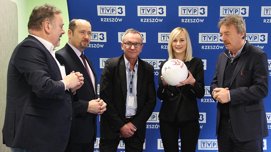 Od prawej Zbigniew Boniek, Agata Wilk, Józef Matusz, Mieczysław Golba