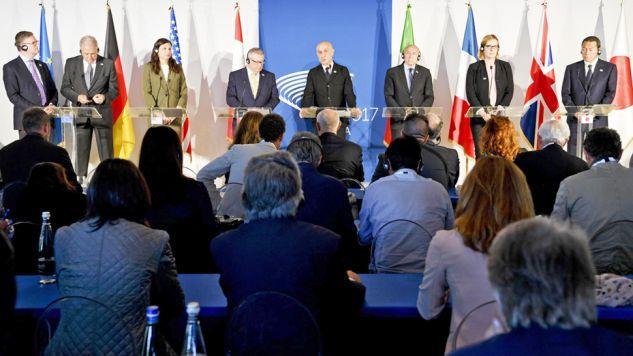 Przedstawiciele internetowych gigantów wzięli udział w szczycie G7 (fot. PAP/EPA/CIRO FUSCO)