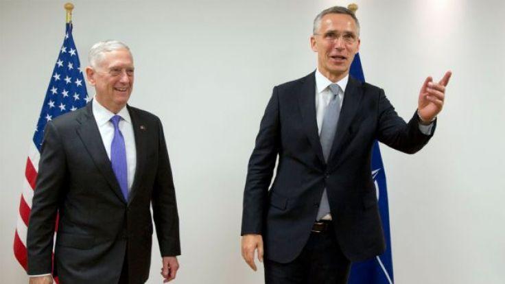 Do podpisania deklaracji doszło kilka godzin przed spotkaniem ministrów obrony 29 państw Sojuszu (fot. PAP/EPA/VIRGINIA MAYO)