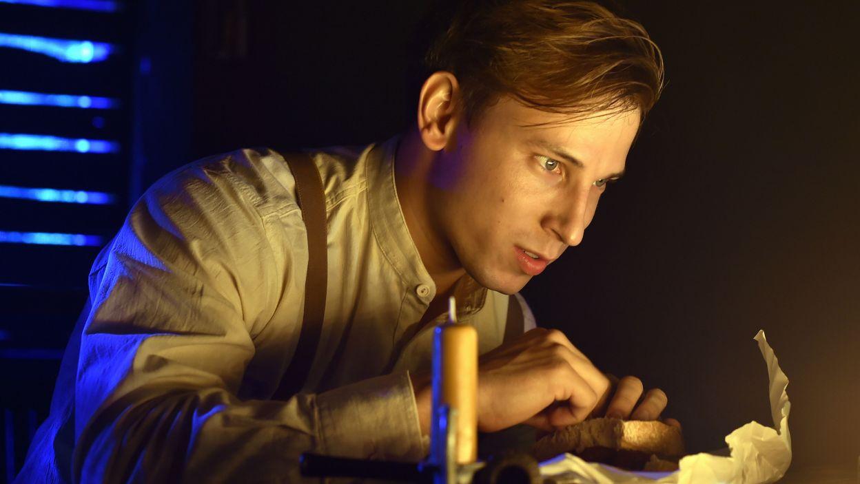 Aresztowany, bity i stracony – Józef Pawłowski jako Wiktor Haldin (fot. Ireneusz Sobieszczuk/TVP)