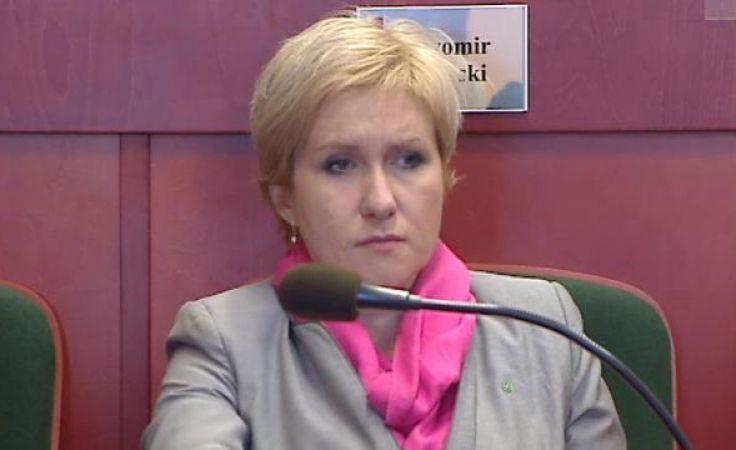 Urszula Pasławska podczas sesji sejmiku województwa warmińsko-mazurskiego.