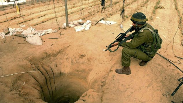 Izraelska armia skupia się na niszczeniu tuneli, których używa Hamas (fot. Uriel Sinai/Getty Images)