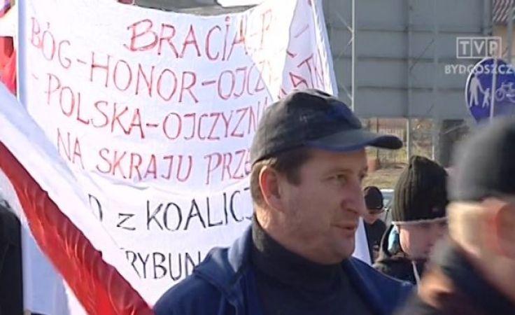 Rolnicy blokowali drogę w Sępólnie Kraj.