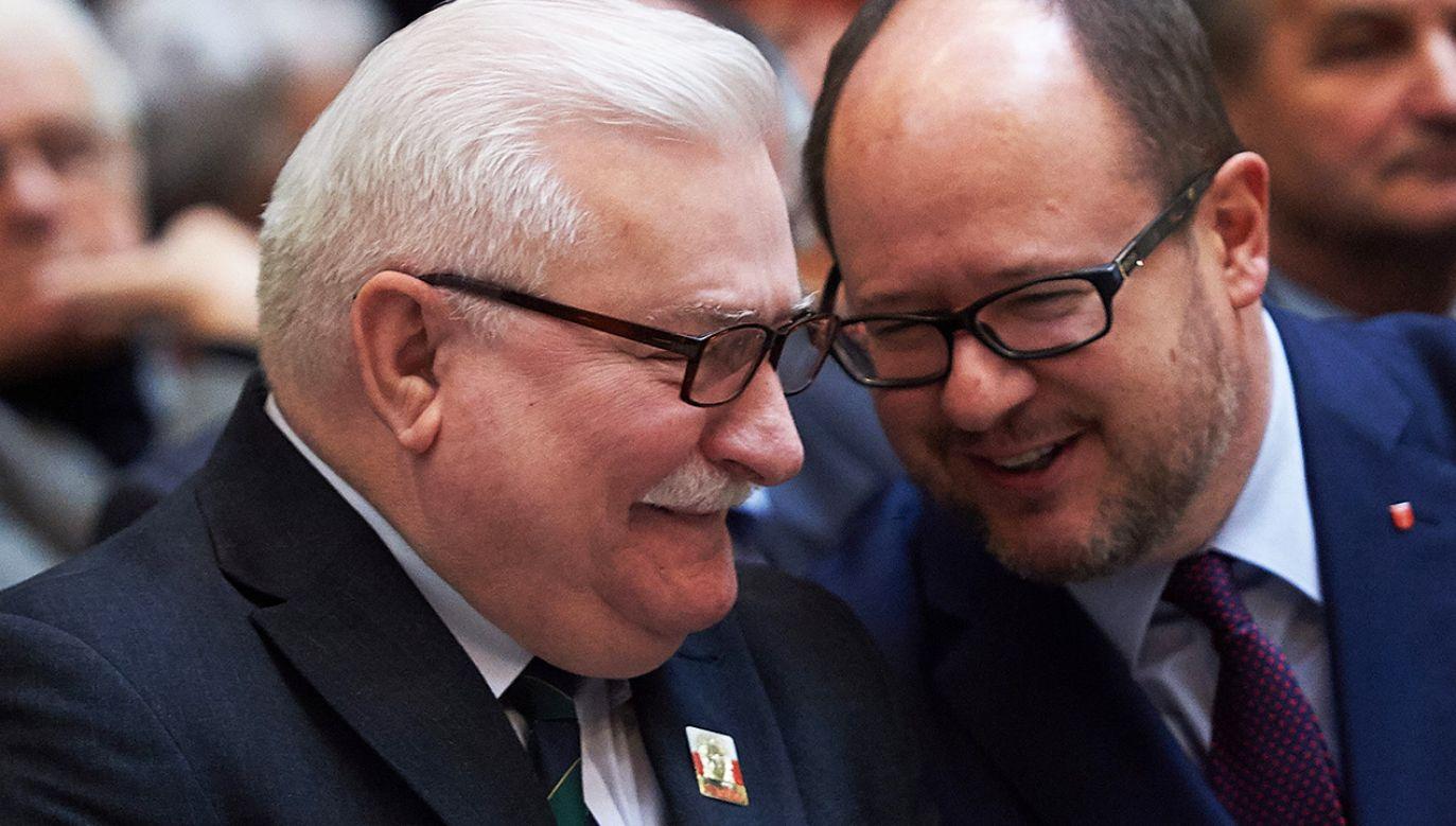 Były prezydent RP Lech Wałęsa i prezydent Gdańska Paweł Adamowicz (fot. arch. PAP/Adam Warżawa)
