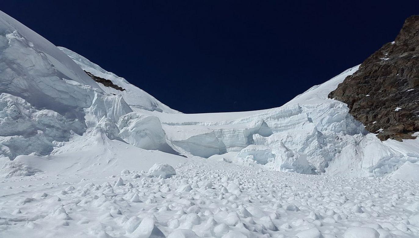 W tym sezonie zagrożenie lawinowe w Alpach jest wyjątkowo wysokie (fot. Pixabay)