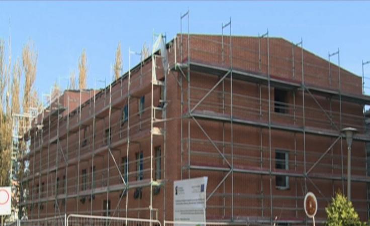 Przedłuża sie budowa nowej siedziby Domu Harcerza