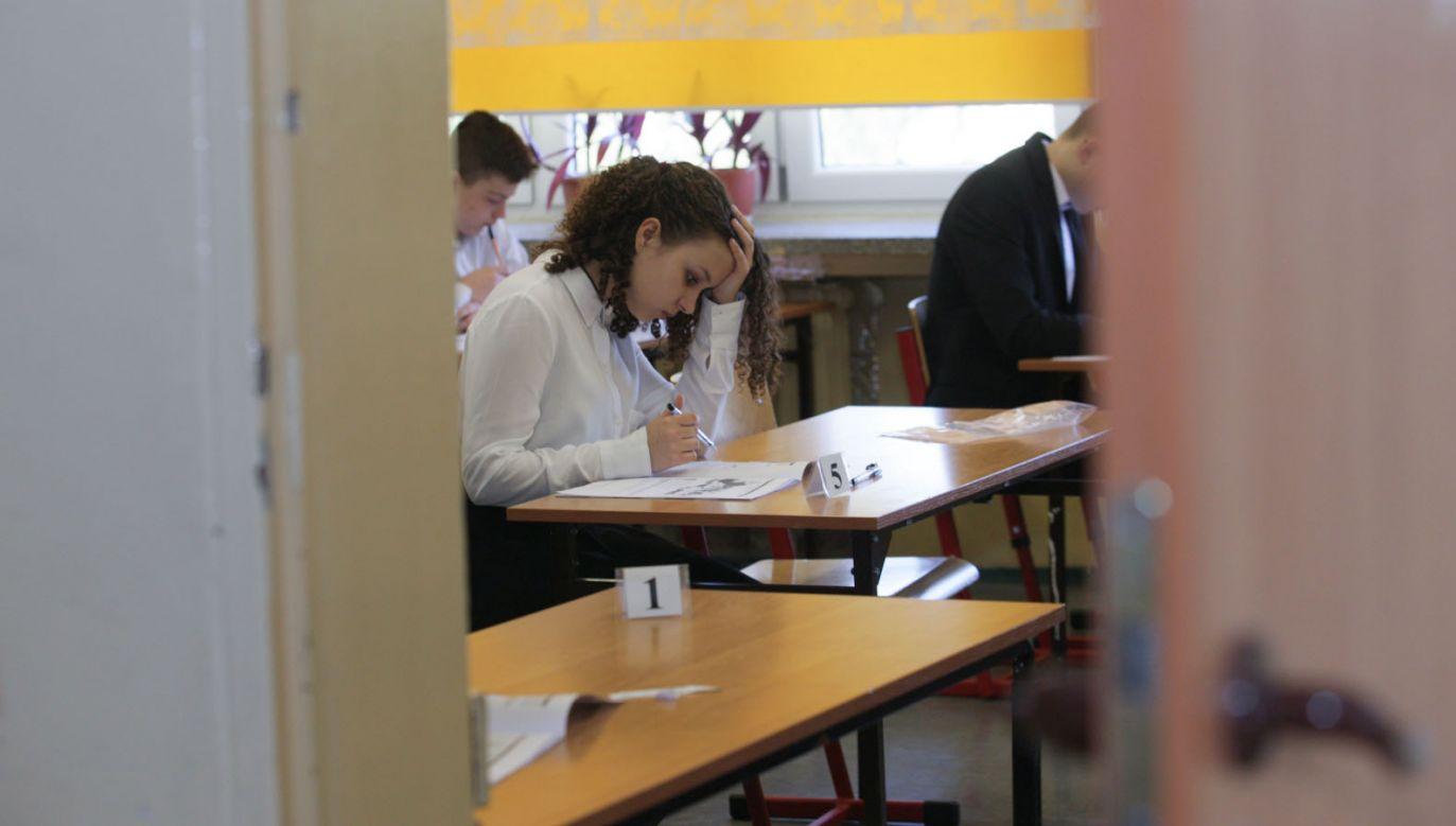 Egzamin gimnazjalny w Gorzowie Wlkp. (fot. PAP/Lech Muszyński)