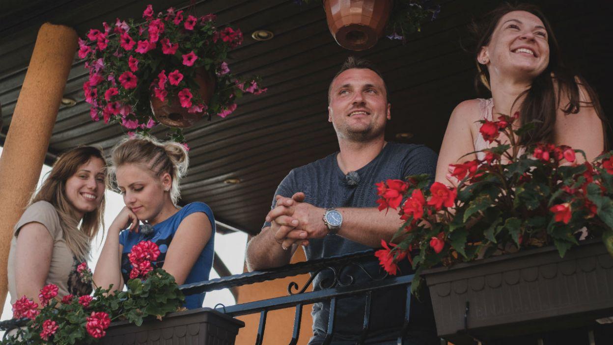 Grzegorz jest wyrozumiały dla swoich kandydatek, również w kwestii kuchni (fot. TVP)