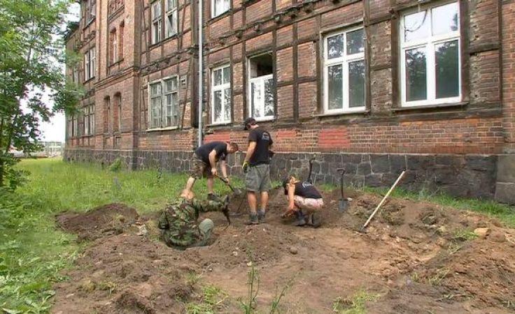 Archeologiczne znaleziska w miejscu dawnego obozu jenieckiego